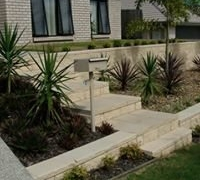 front-steps-and-landscaping